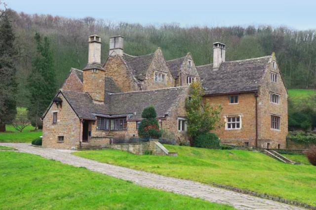 Property in Stinchcombe, Gloucestershire